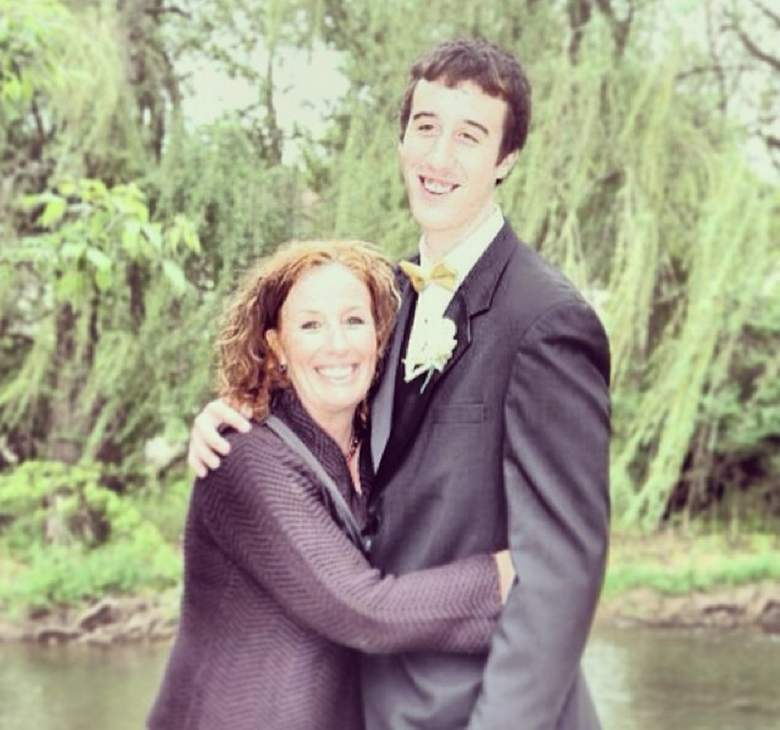 Wisconsin's Frank Kaminsky back at high school prom picture with his mom Mary. (Instagram/fskpart3)