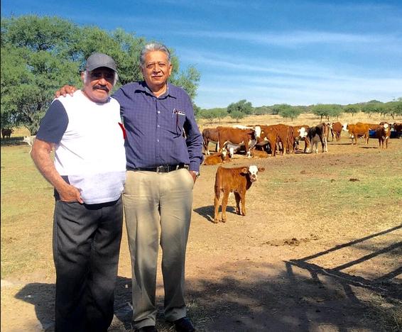 Vicente Fernandez (L) and Dr. Roberto Esquivel in his ranch Los Tres Potrillos, April 21. (Instagram/Vicente Fernandez)