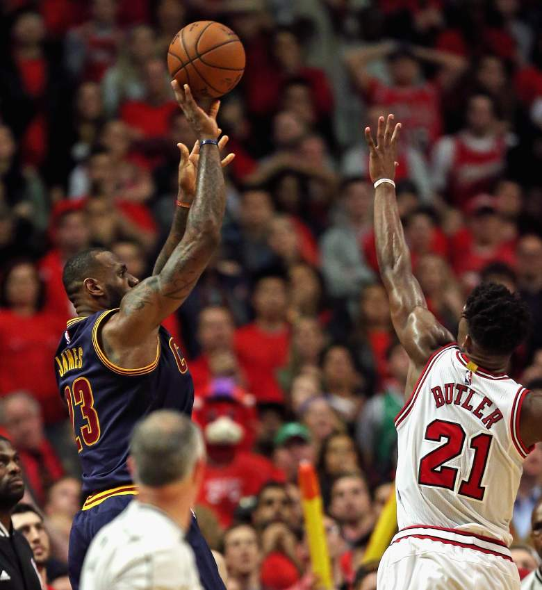 LeBron James' buzzer-beater gave the Cavaliers a win over the Bulls Sunday. (Getty)