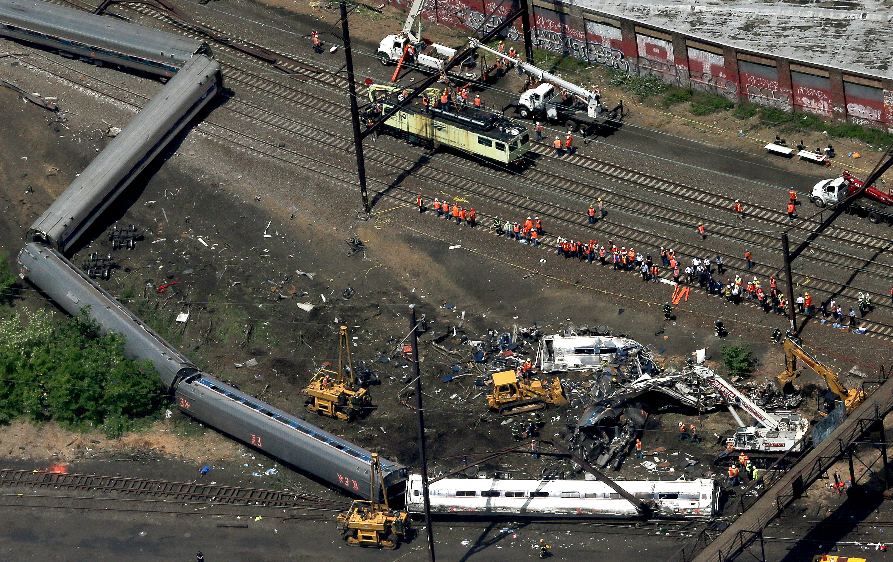 The wreckage of the Amtrak crash that derailed in Philadelphia. (Getty)