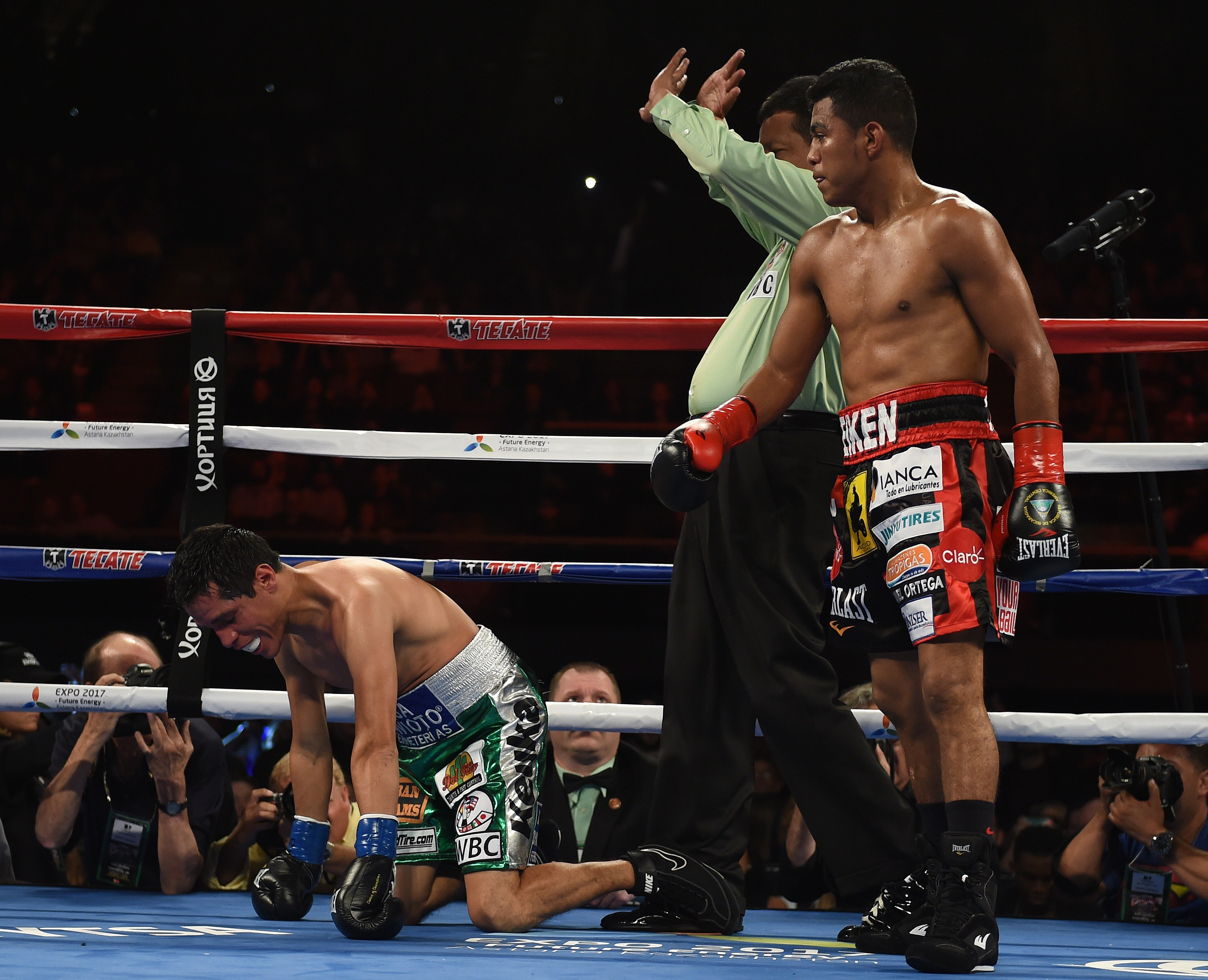 Roman Gonzalez  knocks out Edgar Sosa n the second round of their WBC Flyweight World Championship bout at the Forum Arena in Los Angeles, California on May 16, 2015.  (Getty)