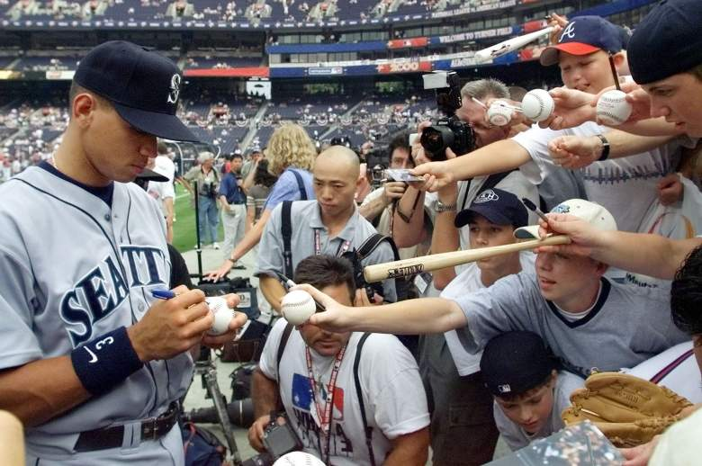 Fans have never been able to get enough of A-Rod. (Getty)