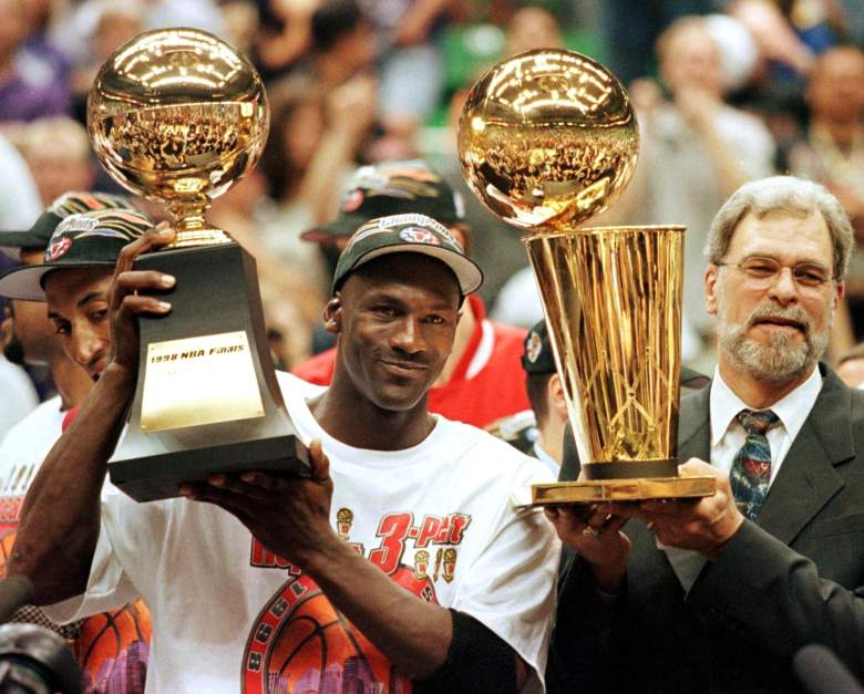Michael Jordan and Phil Jackson won 6 NBA titles with the Bulls. (Getty)