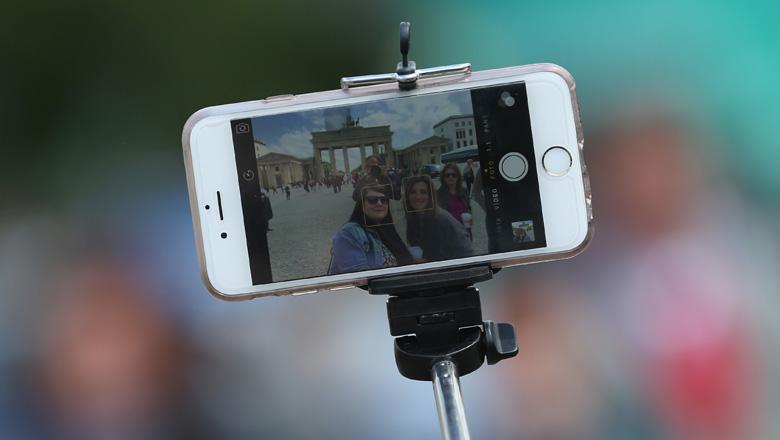 selfie stick iphone, iphone selfie stick, selfie stick for iphone, selfie sticks, monopod, selfie stick, best selfie stick