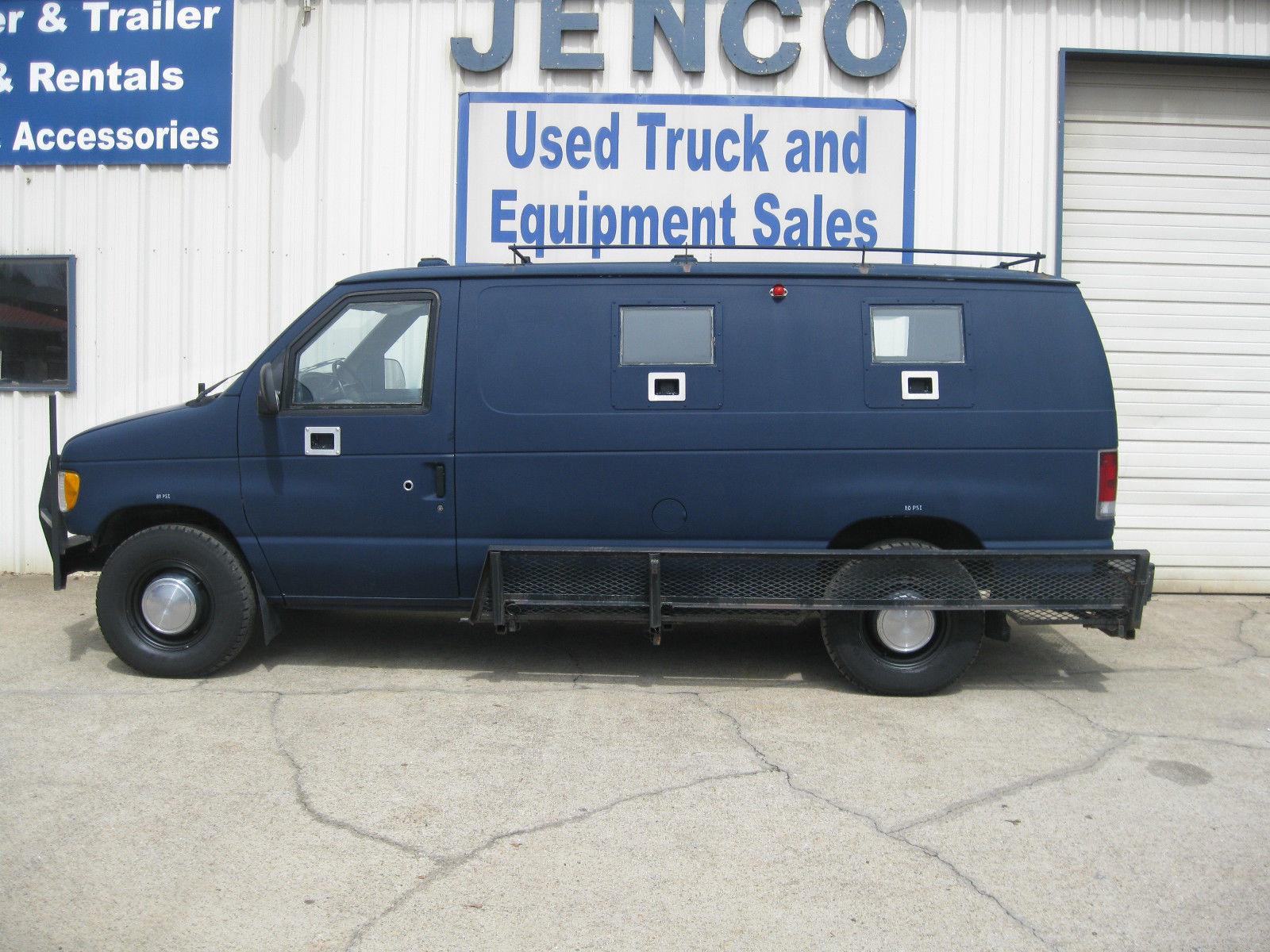 Dallas shooting, dallas shootout, dallas armored vehicle, dallas armored van