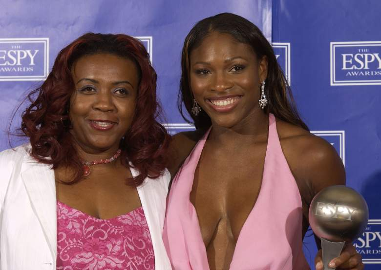 The late Yetunde Price (L) with Venus Williams at the 2003 ESPYs. (Getty)