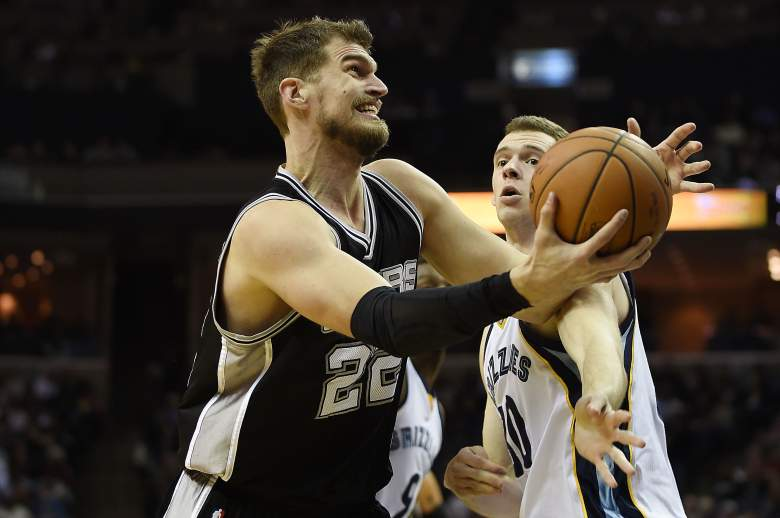 In a move to free up cap space for a run at free-agent LaMarcus Aldridge, the San Antonio Spurs have traded veteran center Tiago Splitter to the Atlanta Hawks. (Getty)