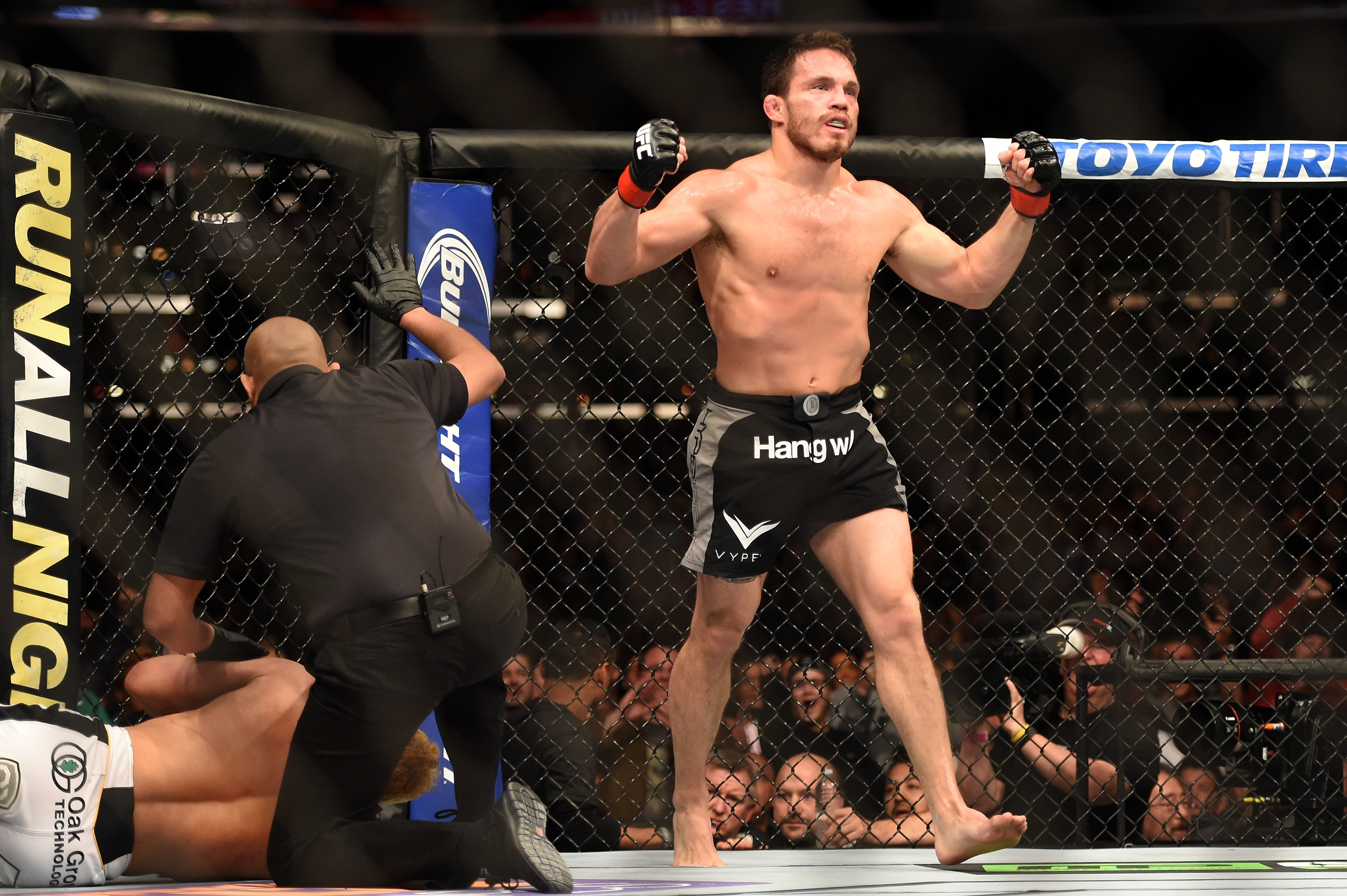 Jake Ellenberger takes on Stephen Thompson in the main event of the UFC Ultimate Fighter Finale. (Getty)