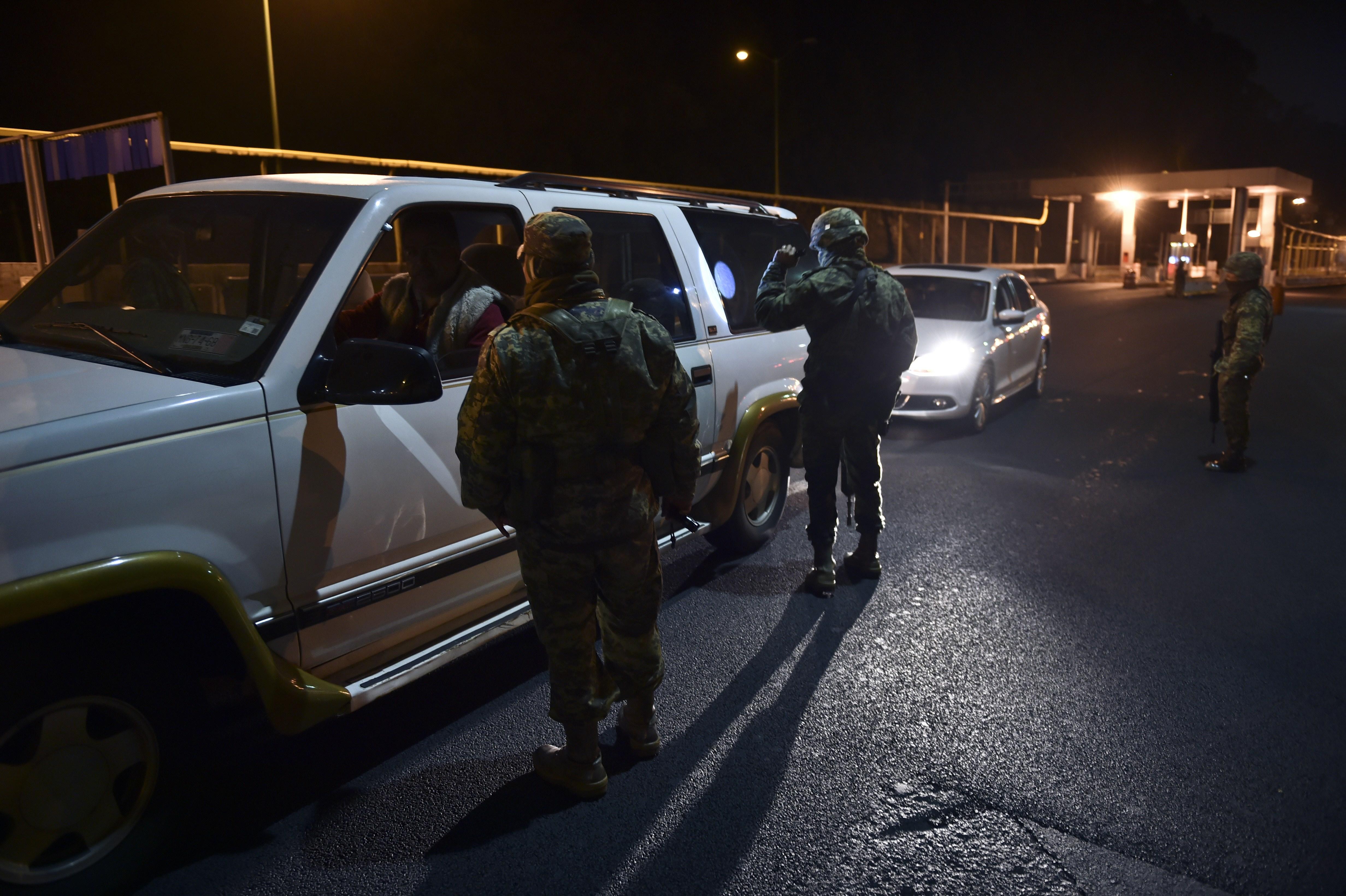El Chapo Guzman escape, el chapo escape, search for el chapo mexico