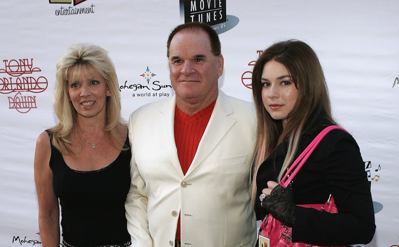 Pete Rose poses with with Caroline and daughter Chea on August 31, 2005. (Photo by Vince Bucci/Getty Images)
