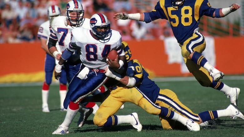 Barnett plays against the Rams in 1983. (Getty)