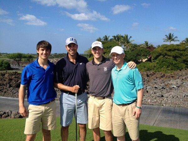 Ollie, left, with PGA pro Matt Kuchar, second from left, and Georgia Tech teammates. (Twitter)