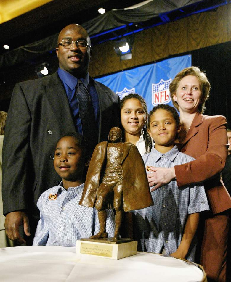 HOUSTON - JANUARY 30:  Will Shields, guard for the Kansas City Chiefs, poses with his Walter Payton NFL Man of the Year trophy after a press conference on January 30, 2004 at Hilton Ballroom at the Hilton Hotel in Houston, Texas. His wife, Senia and his children Solomon, Sanayika and Shavon were at his side. (Photo by Elsa/Getty Images)