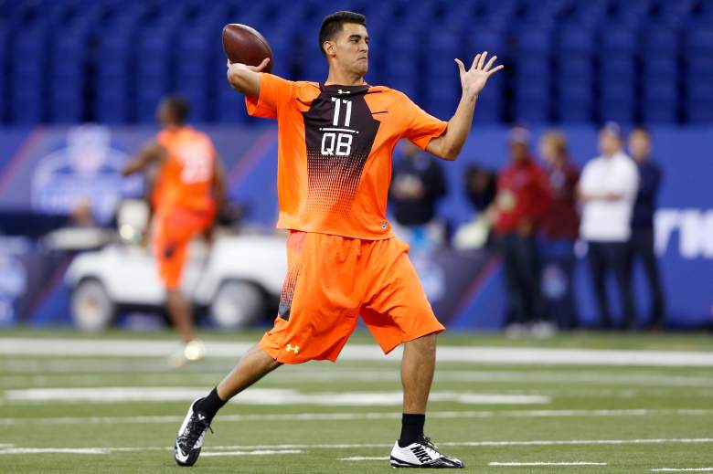 INDIANAPOLIS, IN - FEBRUARY 21: Quarterback Marcus Mariota of Oregon throws a pass during the 2015 NFL Scouting Combine at Lucas Oil Stadium on February 21, 2015 in Indianapolis, Indiana. (Photo by Joe Robbins/Getty Images)