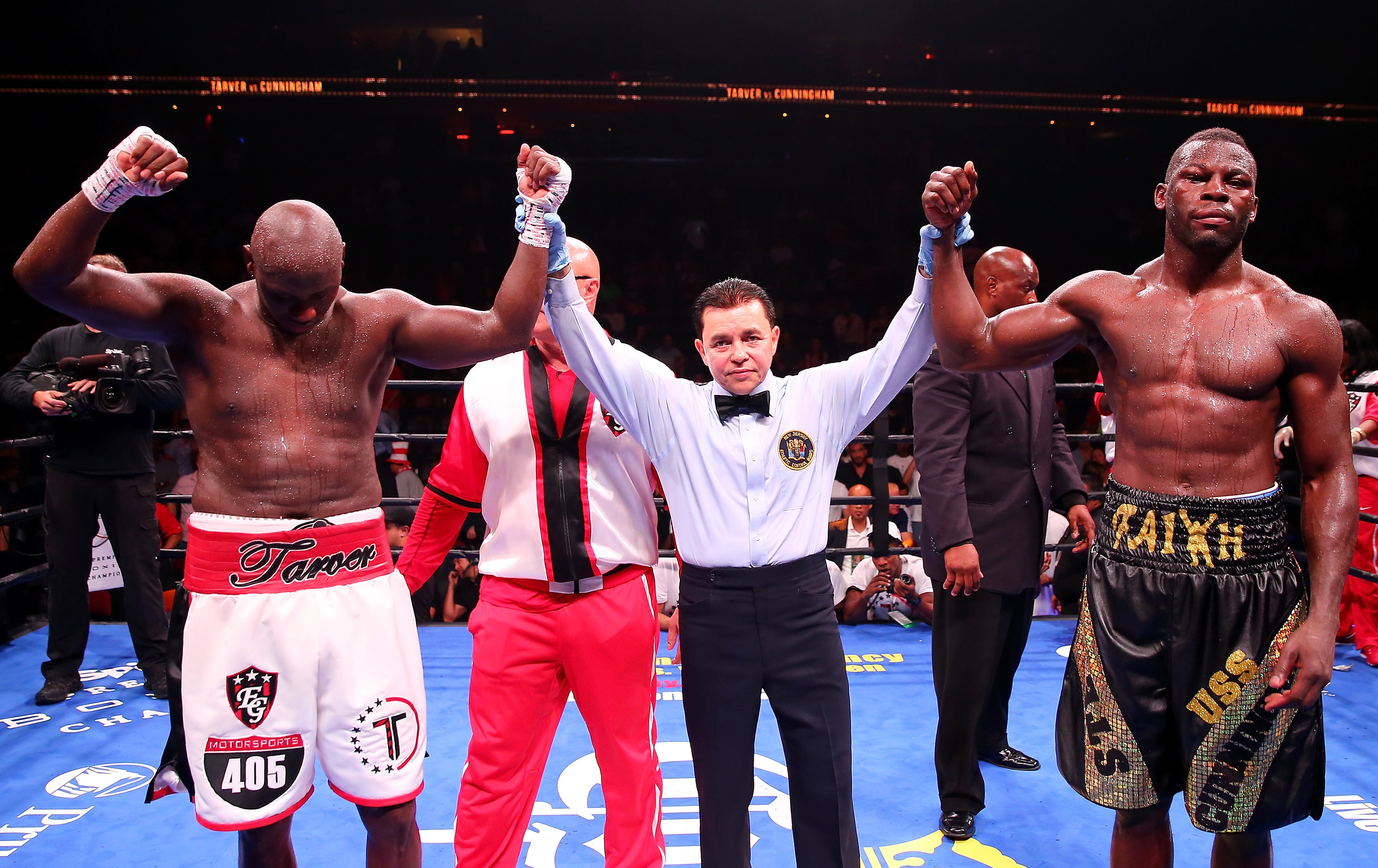 Antonio Tarver and Steve Cunningham fight to a draw after 12 rounds of heavyweight boxing. (Getty)