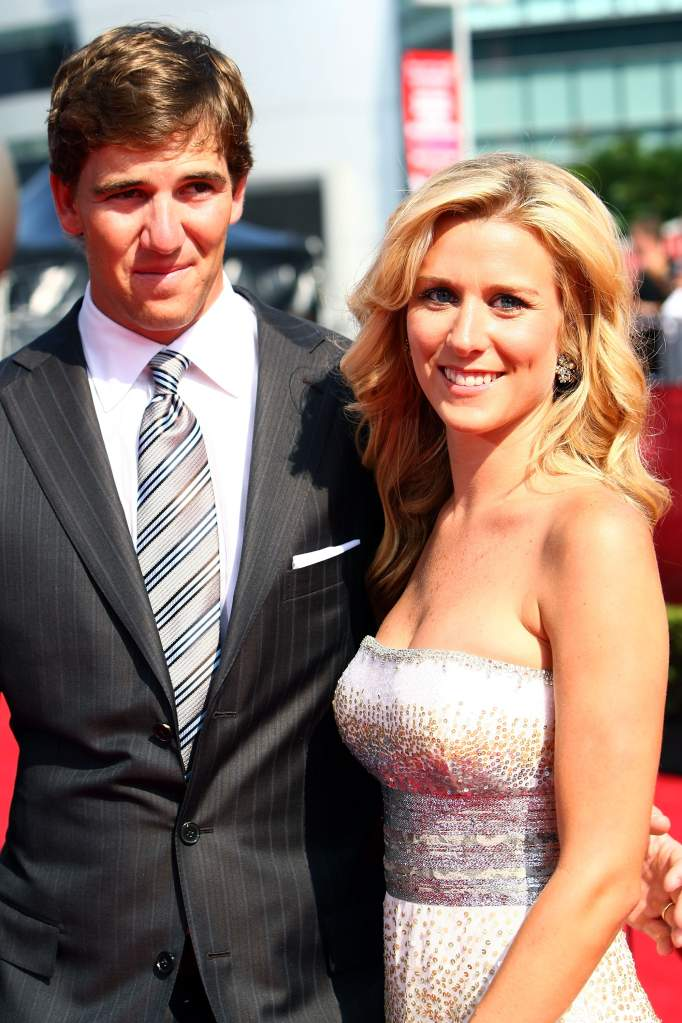LOS ANGELES, CA - JULY 16:  NFL athlete Eli Manning and wife Abby McGrew arrive at the 2008 ESPY Awards held at NOKIA Theatre L.A. LIVE on July 16, 2008 in Los Angeles, California.  The 2008 ESPYs will air on Sunday, July 20 at 9PM ET on ESPN.  (Photo by Alberto E. Rodriguez/Getty Images)