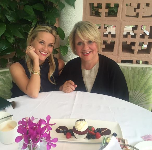 Reese Witherspoon, Reese Witherspoon mom