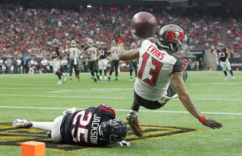 Mike Evans had a series of drops that cost the Bucs dearly last week in Houston. Getty)