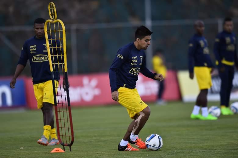 Ecuador's Christian Noboa (C) trains ahead of the Argentina match. Getty)