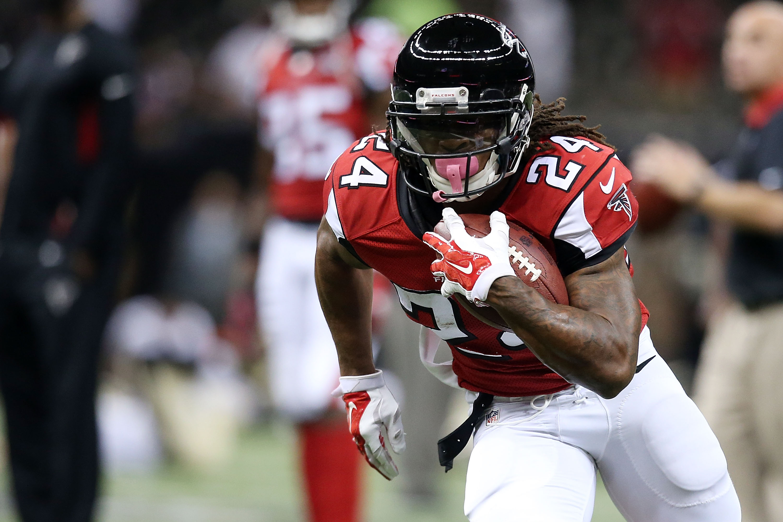 Devonta Freeman has an NFL-high nine rushing touchdowns. (Getty)