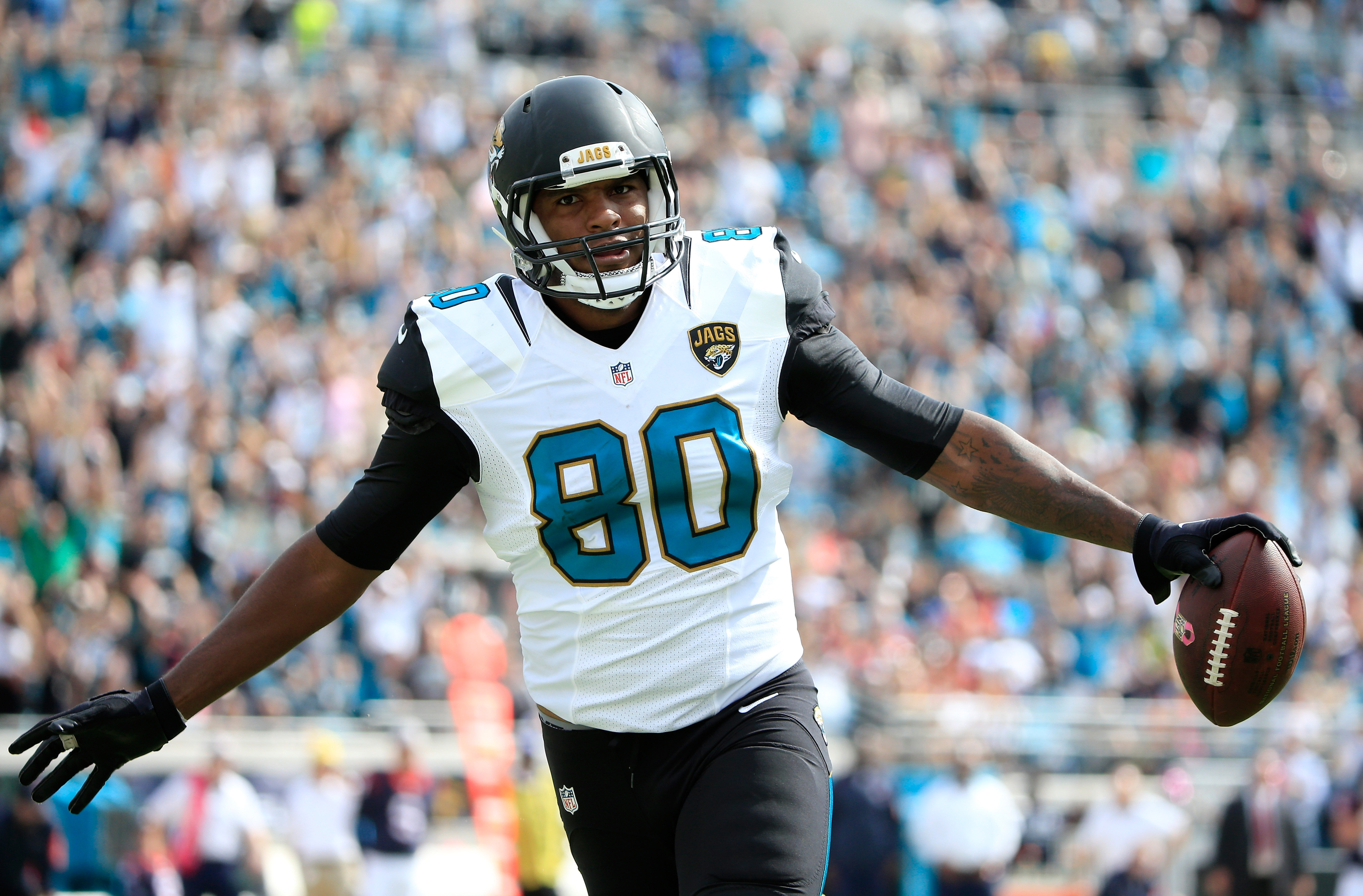 Julius Thomas, who missed the start of the season with a finger injury, caught his first touchdown pass as a Jaguar last week. (Getty)