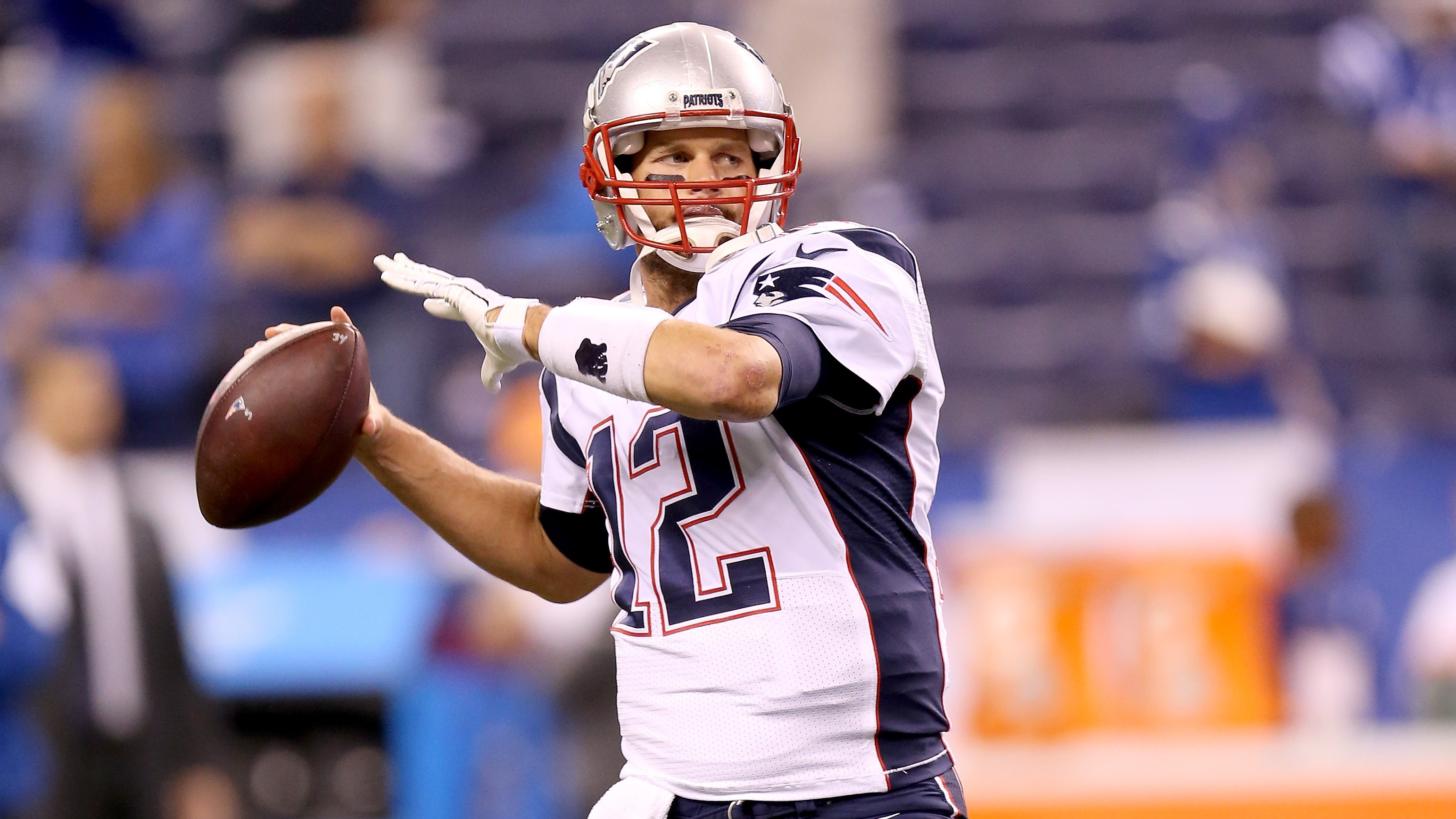 Tom Brady drove for another TD to start the second half. (Getty)