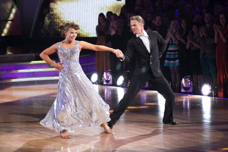 Bindi Irwin, Derek Hough, Bindi Irwin And Derek Hough, Derek Hough And Bindi Irwin, Bindi Irwin Freestyle Performance, Dancing With The Stars Season 21, Bindi Irwin Dancing With The Stars, Bindi Irwin Performances