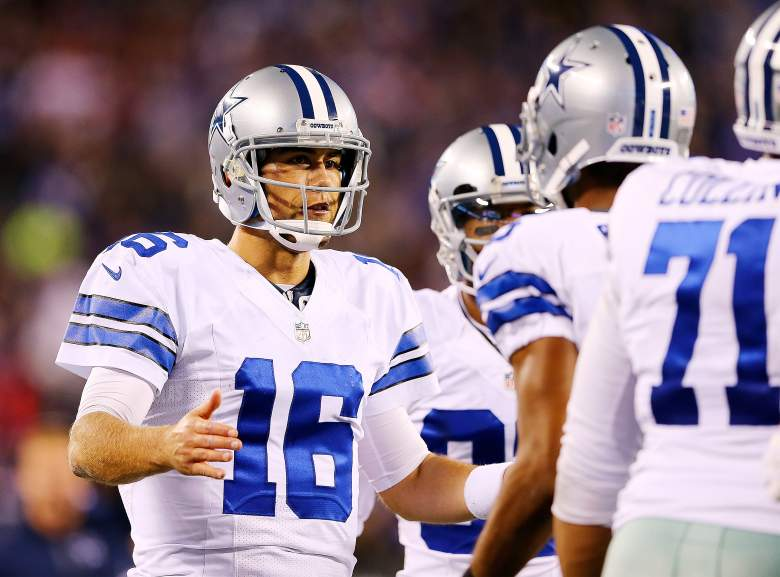 EAST RUTHERFORD, NJ - OCTOBER 25: Matt Cassel #16 of the Dallas Cowboys is congratulated by his teammates after throwing a fourth-quarter touchdown against the New York Giants during the fourth quarter at MetLife Stadium on October 25, 2015 in East Rutherford, New Jersey. The New York Giants defeated the Dallas Cowboys 27-20.  (Photo by Elsa/Getty Images)