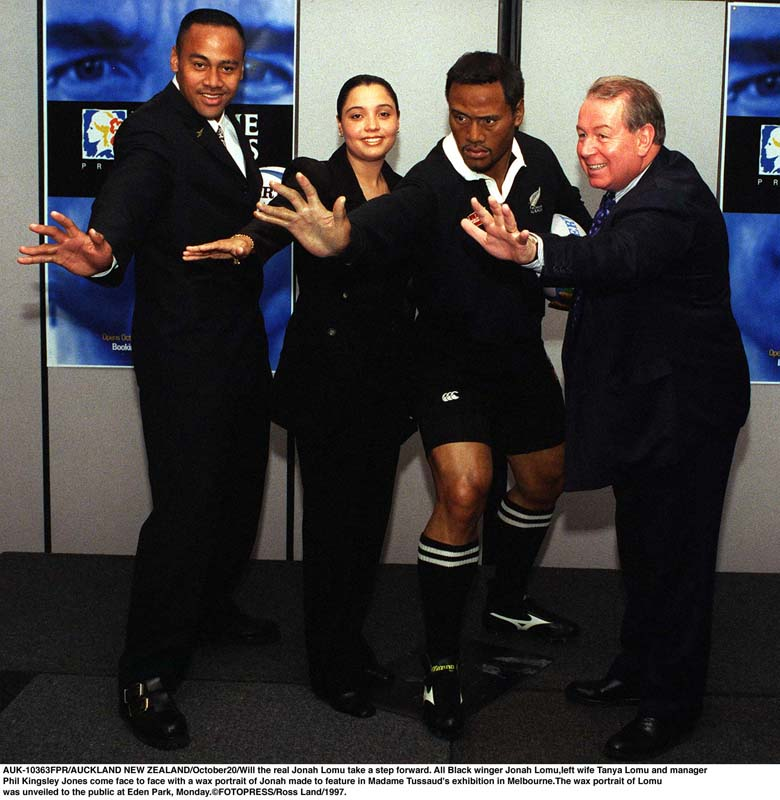 Lomu with his first wife, Tanya, in 1997, at the unveiling of a waxwork of the great player in Melbourne, Australia. (Getty)