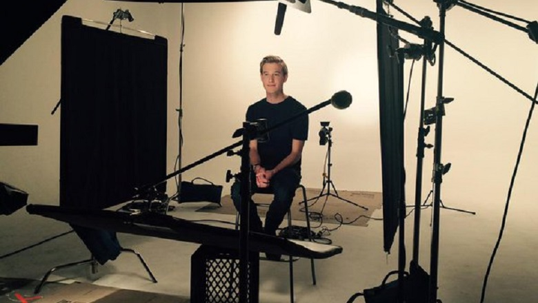 Tyler Henry, Tyler Henry Medium, Tyler Henry Hollywood Medium, Hollywood Medium TV Show, Who Is Tyler Henry, Psychic Tyler Henry, Clairvoyant Tyler Henry, Tyler Henry Keeping Up With The Kardashians, Tyler Henry KUWTK