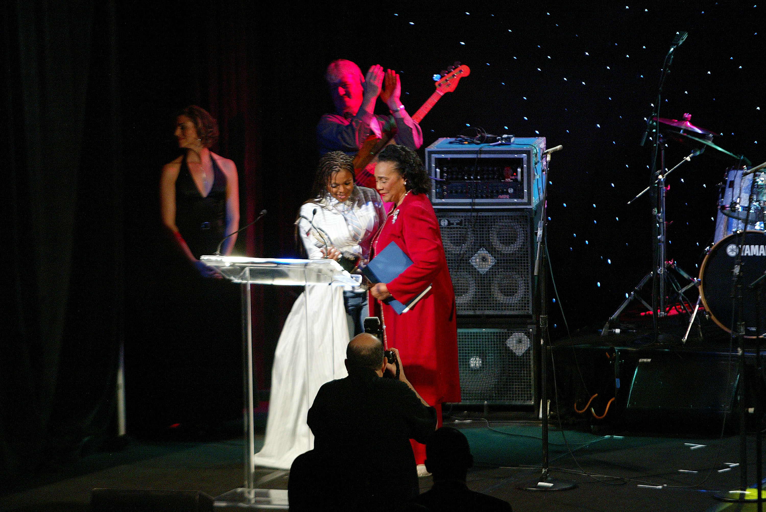 Coretta Scott King Is Introduced by Janet Jackson at the 2005 Hero Awards Gala (Photo by Annette Brown/Getty Images)