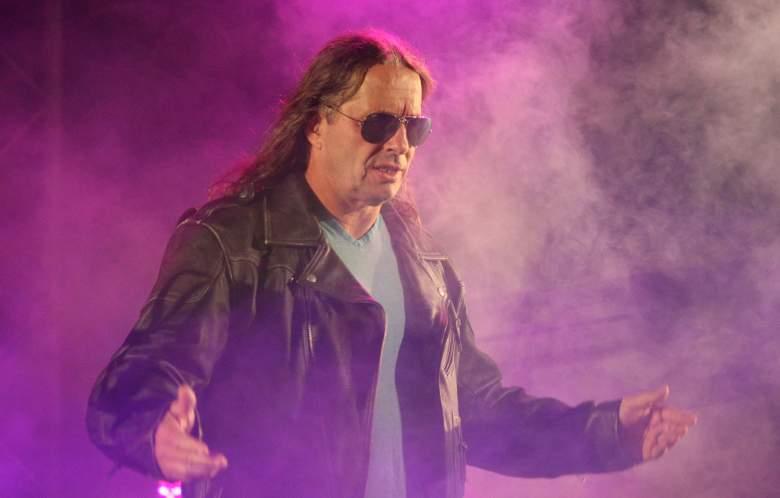 Bret Hart, Bret Hart cancer, WWE Raw