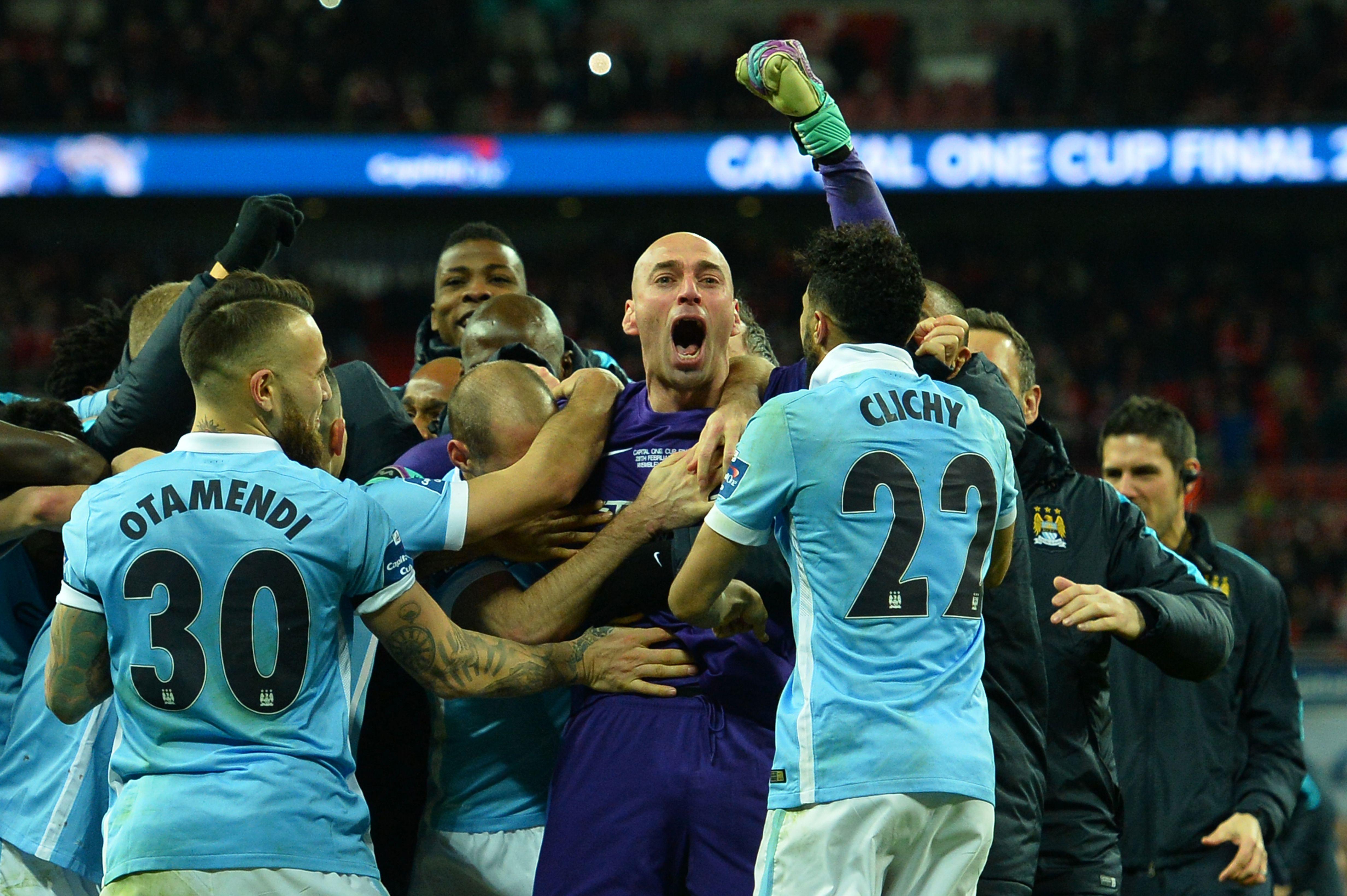 league cup final, liverpool, manchester city, city, trophy, lift, hoist, raise, watch, video, vine, twitter, champions, result, celebration, celebrate