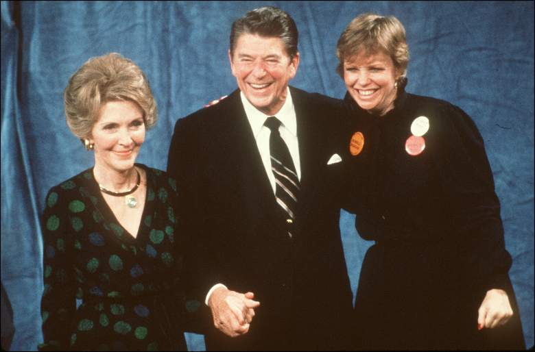 US President-elect Ronald Reagan celebrates his electoral victory with his wife Nancy (l) and his daughter Maureen, in Los Angeles 04 November 1980. (Photo credit should read -/AFP/Getty Images)
