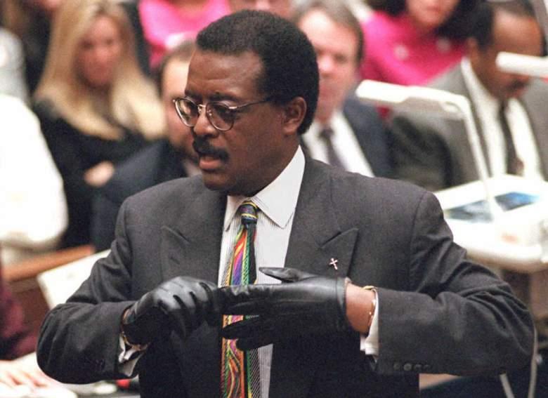 OJ Simpson, OJ Simpson Show, OJ Simpson Trying On Gloves, OJ Simpson Black Gloves, OJ Simpson Trial Video, OJ Simpson Gloves Video
