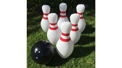 outdoor bowling game
