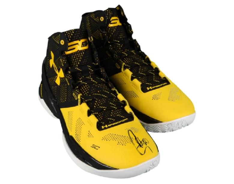 stephen curry warriors gear autographed sneakers memorabilia