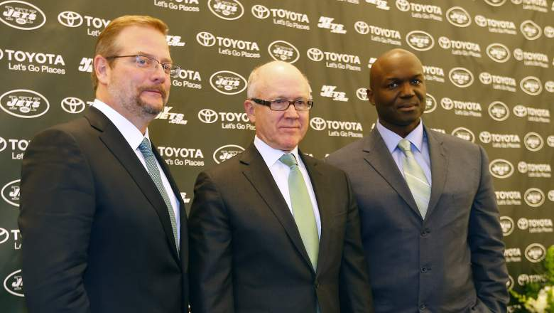 New York Jets owner Woody Johnson (center) is flanked by General Manager Mike Maccagnan (left) and head coach Todd Bowles. (Getty)