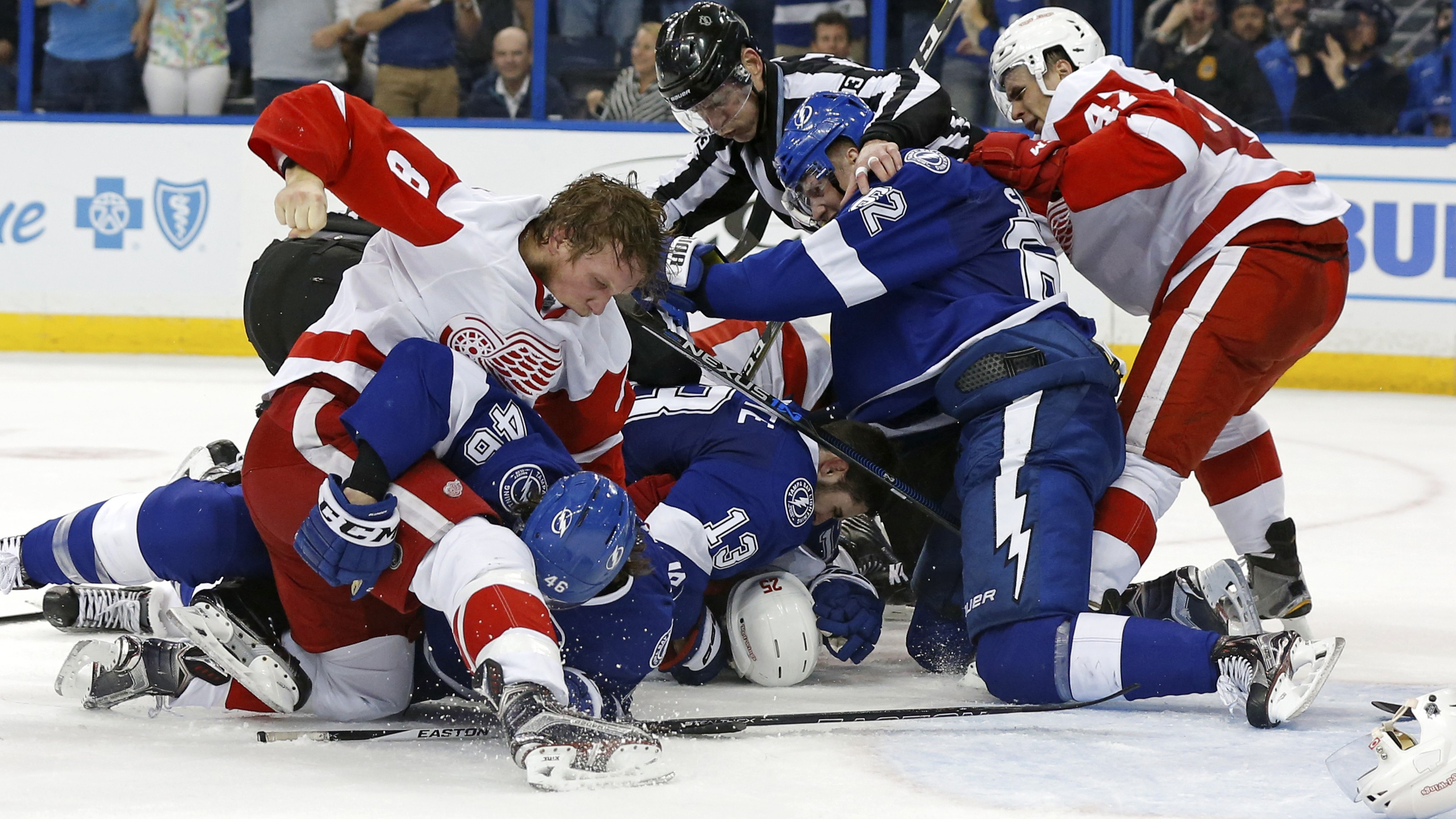 Red Wings Vs Lightning Live Stream How To Watch Game 3 Online Heavy Com