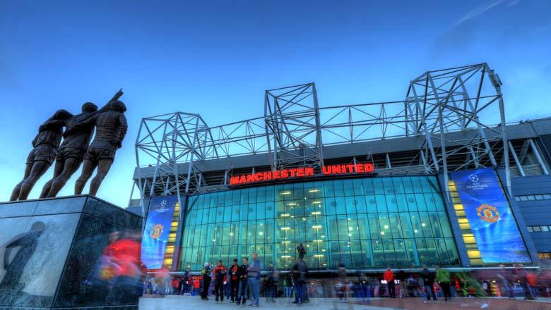 old trafford stadium bomb scare, manchester united bomb scare
