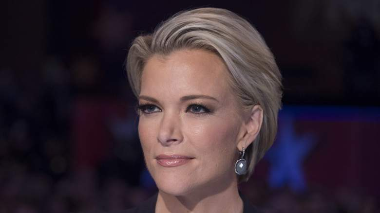 FOX news host Megyn Kelly looks on during the Republican Presidential debate sponsored by Fox News at the Iowa Events Center in Des Moines, Iowa on January 28, 2016. / AFP / AFP PHOTO / Jim WATSON (Photo credit should read JIM WATSON/AFP/Getty Images)