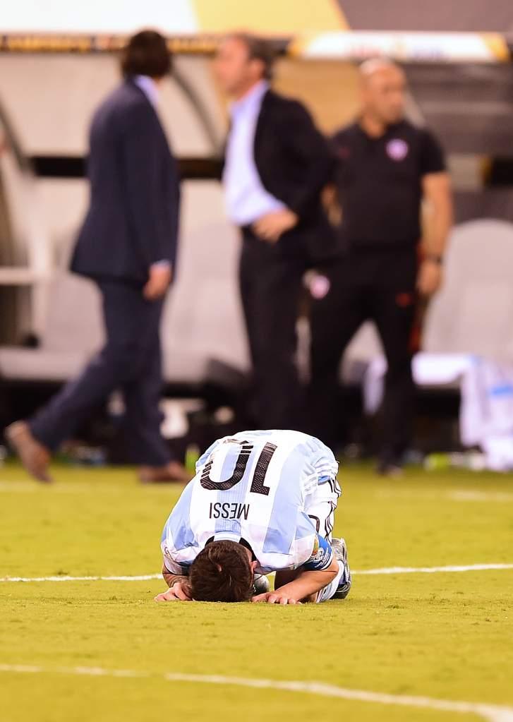 Messi, copa america final, penalty kick miss, video