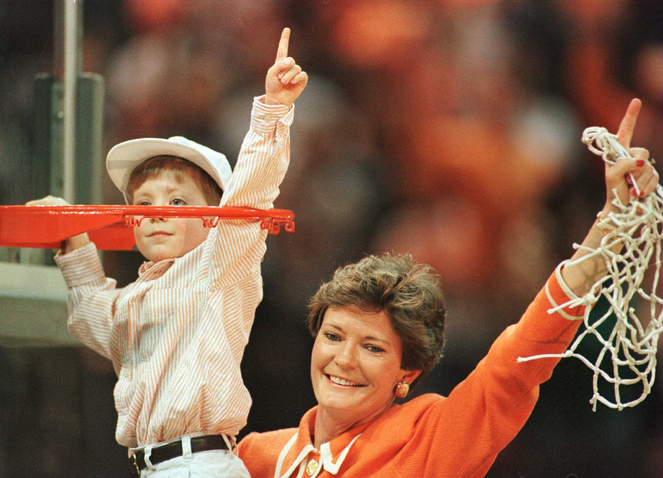 Pat Summitt in 1996 with her son, Tyler. (Getty)