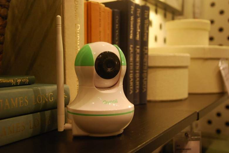 Gynoii WiFi Wireless Pan-Tilt Video Baby Monitor