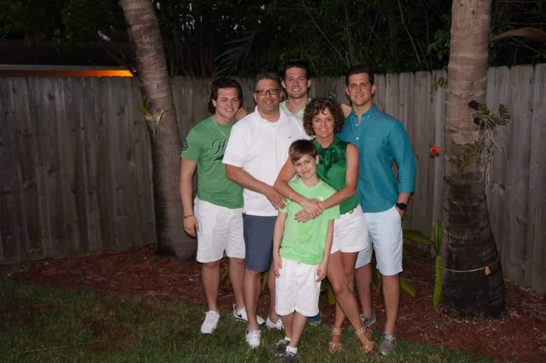A family photo with Beau Solomon in it. (Facebook/Beau Solomon)