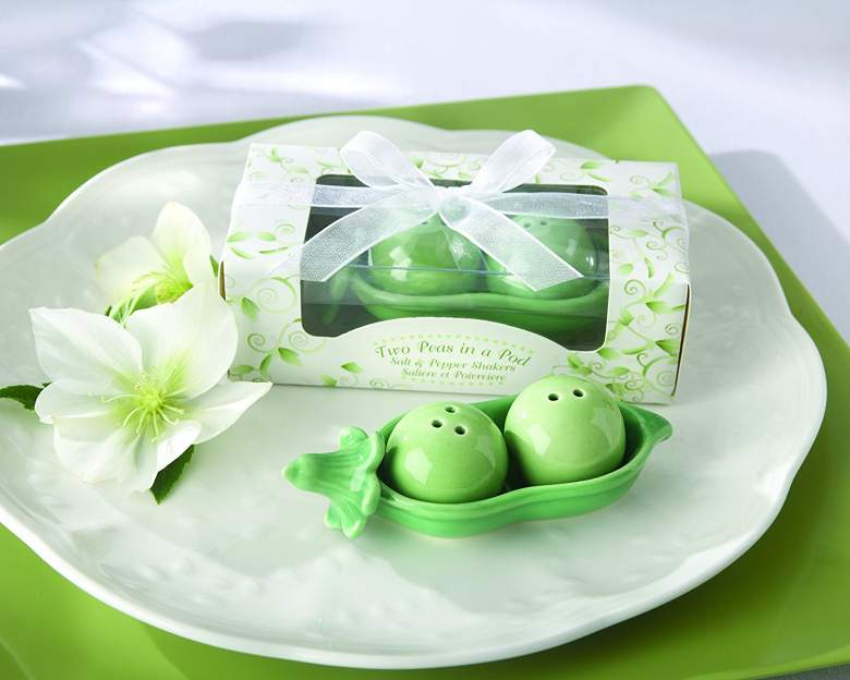 two peas in a pod wedding favor