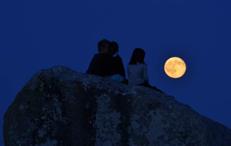 New moon August 2016, new moon in august 2016 august 2, new moon, new moon in leo, new moon 2016, new leo moon july 2014