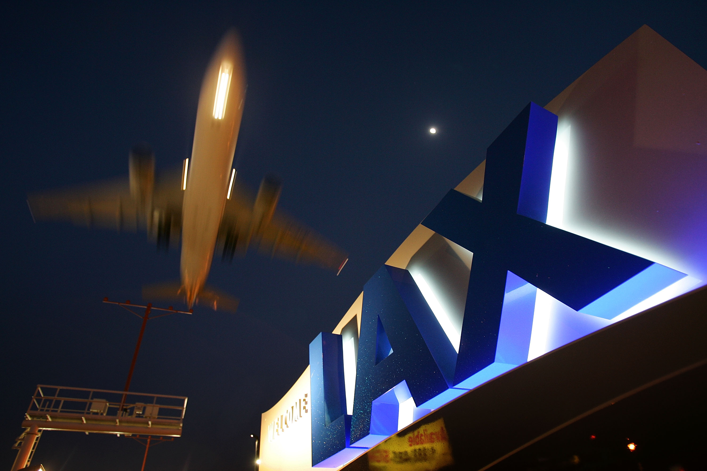 A jet comes in for landing at Los Angeles International Airport in a file photo. (Getty)