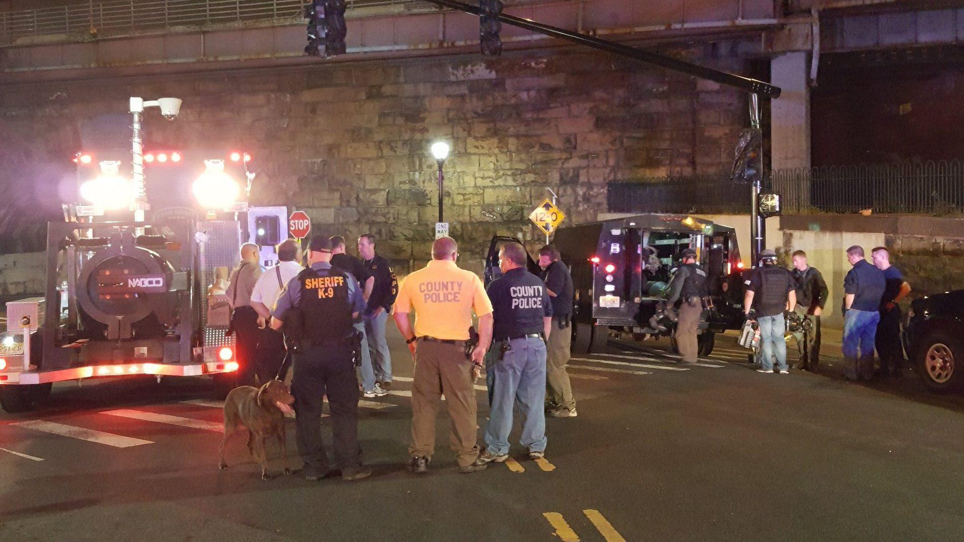 The scene in Elizabeth, New Jersey. (@MayorBollage/Twitter)