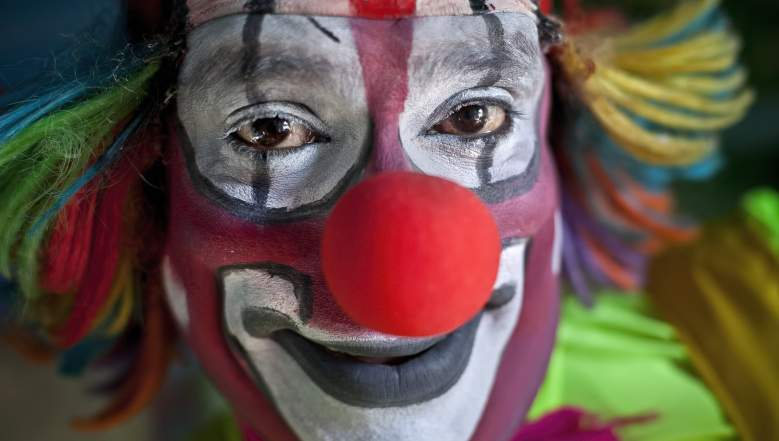 South Carolina Clown Incident, Creepy Clown in South Carolina and Ohio, Clown Lures Children into woods, clown in apartment complex in Greenville